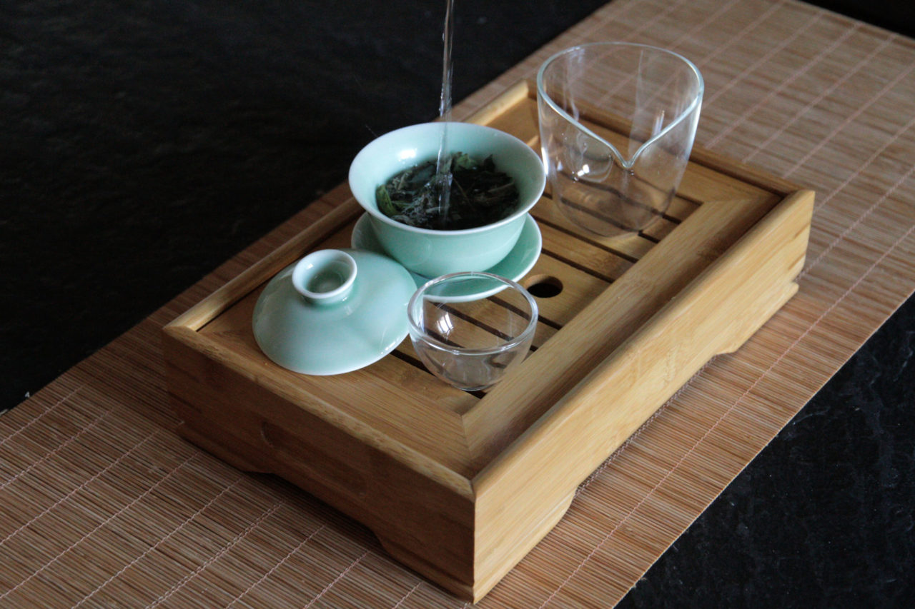 gongfu traditionelle methode tee zubereitung china grüner tee oolong weißer tee puerh chinesischen tee richtig zubereiten chinesischer tee